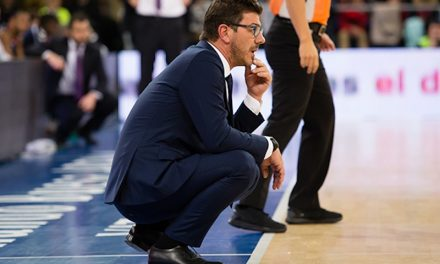 Fotis Katsikaris fines his players after poor performance