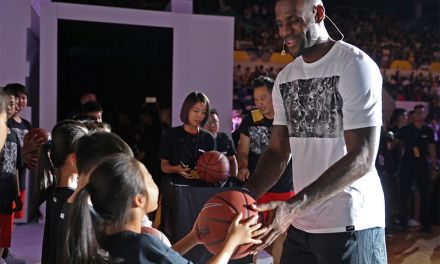 La espectacular visita de LeBron James a China