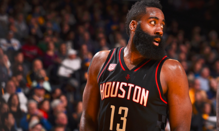 James Harden tira de triple-doble para frenar a los Warriors
